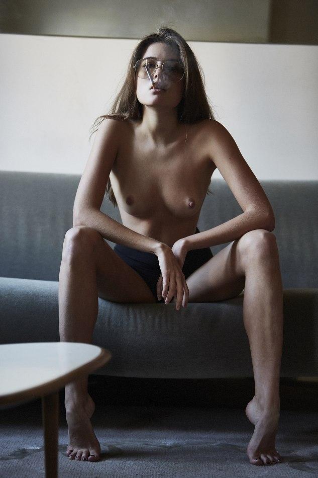 Nackt  Lize Römer Full text